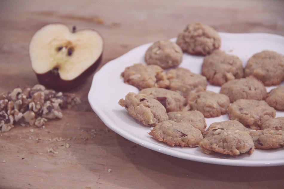 evolutionyou.net | peanut butter apple walnut cookies
