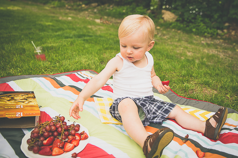 family picnic | livelovesimple.com