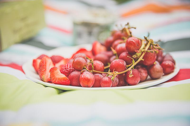 family picnic   livelovesimple.com