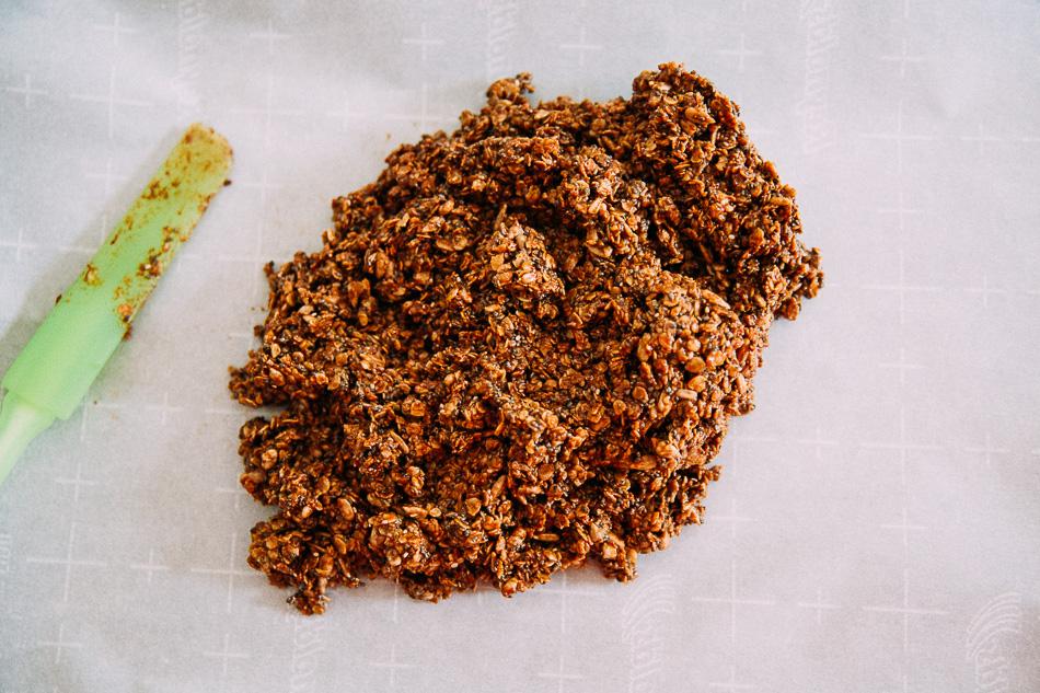 Chewy No-Bake Granola Bars // livelovesimple.com